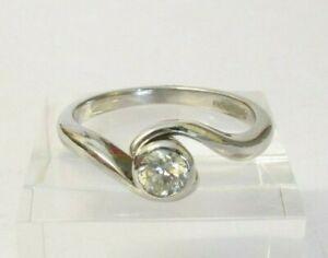 DIAMOND ENGAGEMENT RING, 18ct WHITE GOLD, 0.25 CARAT FINE QUALITY DIAMOND