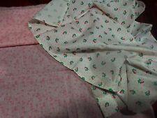 lot tissus roses ,les fraises et les petites fleurs