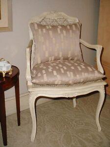 ITALIAN HOLLYWOOD REGENCY  WHITE CANE CARVED BEDROOM DESK LIVING ROOM CHAIR