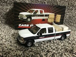 First Gear Case IH Ford F-250 Crew Cab  Pick Up Truck Service Parts Truck Rare!!