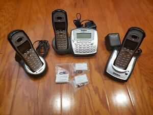 Uniden TRU8885-2 Cordless Phone System 3 Handsets & Answering System and extras