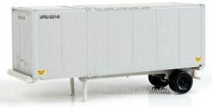 2-Pack UPS 28' Container w/Chassis Walthers SceneMaster 1/87 HO 949-8600