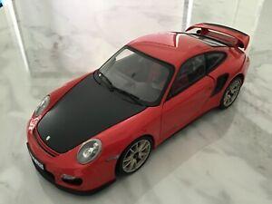 Minichamps 1/18 Scale Diecast - Porsche 911 GT2 RS Unboxed