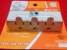 1 DAISO JAPAN 3 OUTLET POWER TAP WITH 3 POLES ADAPTOR 125V 15 A 1875W