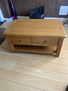 BEAUTIFUL SOLID OAK COFFEE TABLE WITH DRAWERS USED BUT PERFECT CONDITION