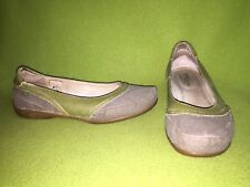 Green Leather & Greyish Brown Canvas El Naturalista Flats 8 39