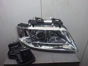 Hauptscheinwerfer rechts  Audi A6 (4A, C4) 1.9 TDI 258249