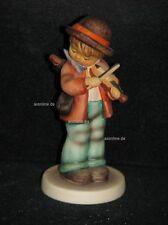 "Goebel Hummel 2 4/0 ""geigerlein"", Little Fiddler, chico juega violín"