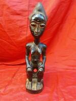 Baule Maternity Figure Isia Statue. African tribal art Cote d'Ivoire