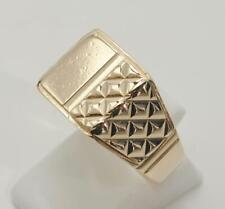 9carat 9k Yellow Gold Signet Ring With Quilted Pattern UK - T  US - 9 5/8 c.1973