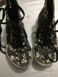 Vans Kids' Boys' X Peanuts Glow in the Dark Mummies SK8 Hi Zip Shoes (12 Kids)