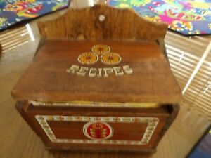 Vintage Wooden Recipe Box With Over 200 Handwritten & Clipped Recipes Cute Box