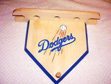 Pelotas de béisbol bate de los Dodgers de Casa Placa   Estante para 3 bolas  y 2 murciélagos Hecho a Mano Madera De Pino 933376bb063