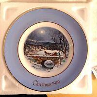 AVON CHRISTMAS PLATE 1979 Original Packaging Dashing through the Snow Vintage