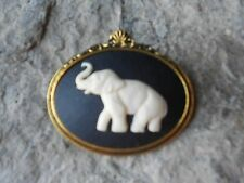 ELEPHANT CAMEO ANTIQUE GOLD TONE BROOCH / PIN - AFRICA - AFRICAN - CREAM, BLACK