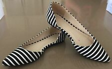 Gorgeous Pin Up Style  Black & White Fabric Stripe Pointy Toe Flats Size 7