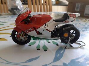 Moto ALTAYA 1/12 No minichamps Ducati Loris Capirossi 2006