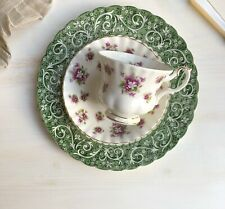Gorgeous Tea cup and Saucer Duo Set 'Sweet Violets' by Royal Albert Excellent