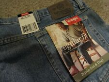 NWT Men's Wrangler Hero Jeans Size 44 x 30 Regular Fit Blue