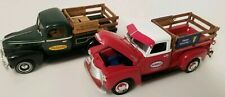 Ertl 1:24 lot of 2 model pickups Humble True Value 1950 Chevy 1940 Ford Diecast
