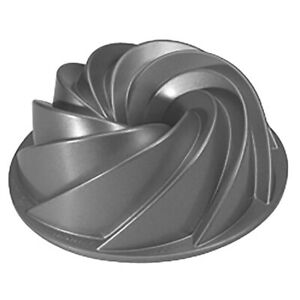 Nordic Ware Heritage Bundt Baking Pan Silver