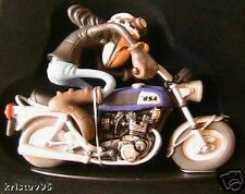 FIGURINE JOE BAR TEAM ELVIS PLATINET BSA 750 ROCKET 3 1/18 EN RESINE BD MOTO BIK