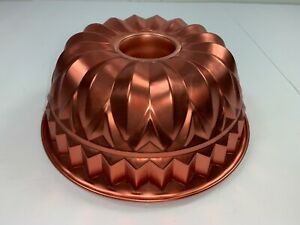 Copper Colored Jell-O Mold Wall Hanging Fluted Bundt Cake Design 9 Cups Clip