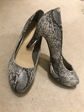 Ladies Oasis Shoes Size 5 Grey Snakeskin Effect