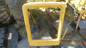 INTERNATIONAL/FARMALL CUB WITH SQUARE GRILLE TRACTOR FRONT GRILLE SHELL