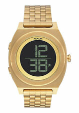 Digitale Nixon Armbanduhren aus Edelstahl