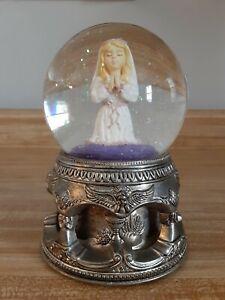 Wallace Silversmith Musical Praying Girl Snow Globe 1st Communion Jesus Loves Me