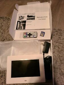 Digital Picture Frame with Remote and SD card included - Motion sensor activated