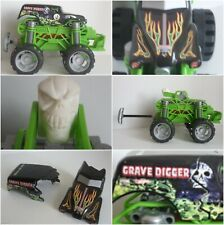 Hot Wheels Monster Jam Monster Flip & Crash Grave Digger 1:24 Scale #K4932
