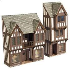 Metcalfe Low Relief Timber Framed Shops N Gauge Card Kit PN190