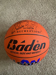 1992 Detroit Pistons Team Signed Basketball HOF Dennis Rodman And Isaiah Thomas