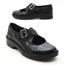 Clarks Ladies 7.5 M Black Leather Mary Jane Shoes Cross Straps Round Toe Buckle