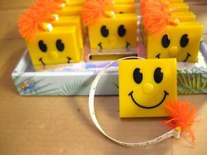 HAPPY FACE FLEXIBLE RETRACTABLE TAPE MEASURE HANDBAG 1.5M SEWING KNITTING PRESEN