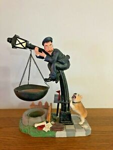 Retired HTF Yankee Candle Hanging Tart Burner Warmer Postman on Lamp post w Dog