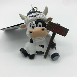 Foco NFL New England Patriots Cow With Sign Christmas Team Ornament NEW 2020