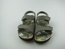 Schmale Schuhe im Sandalen-Stil mit Klettverschluss für Jungen