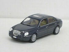 Lancia Thesis in graumetallic, Norev in Blech-OVP, 1:43