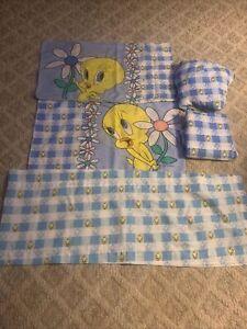 Vintage 1998 Tweety Bird Twin Set Sheets Pillowcases Valance Warner Bros Daisies