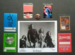 ALICE in CHAINS,Promo photo,6 vintage Backstage passes,metal pin/button