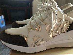 Michael Kors Georgie Trainer Sneaker Size 9❤️❤️❤️