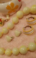 JEWELRY SET LOT VINTAGE YELLOWS NECKLACE 2 EARRINGS HEART PIN BANGLE INDIA   1D