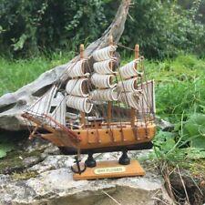 Petit voilier en bois, art déco