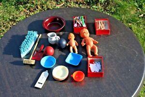 Konvolut 2 kleine Puppen für Puppenstube / DDR,Gummi/ Spielzeug,Badezimmerteile