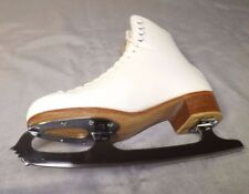 RIEDELL WOMEN FIGURE ICE SKATES SZ 8 WITH WILSON CORONATION ACE BLADES