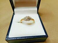VINTAGE 9ct GOLD & DIAMOND RING   RN574