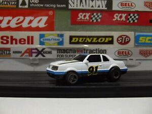 LIFE-LIKE / ROKAR #91 FORD T-BIRD WITH M-CHASSIS & HEAD LIGHTS, HO SLOT CAR